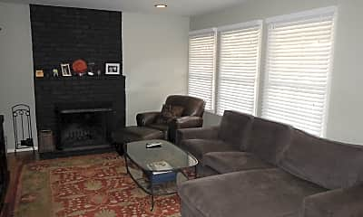 Living Room, 805 Sycamore Dr, 1