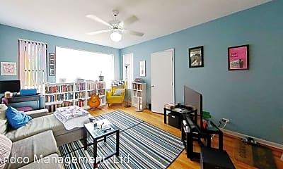 Living Room, 1433 W Balmoral Ave, 1