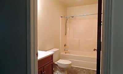 Bathroom, 20 Bourne Ave, 2