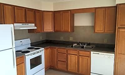 Kitchen, 16 Greenwood Dr, 1