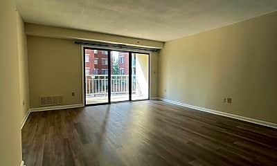 Living Room, 610 N West St 205, 1