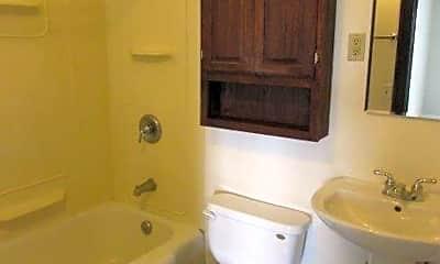 Bathroom, 215 E Mifflin St, 2