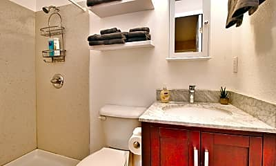 Bathroom, 163 Flournoy St, 2