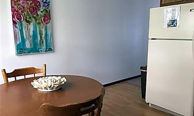 Dining Room, 426 Tracy Loop, 1