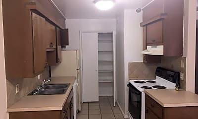 Kitchen, 1611 Riverside Dr, 1