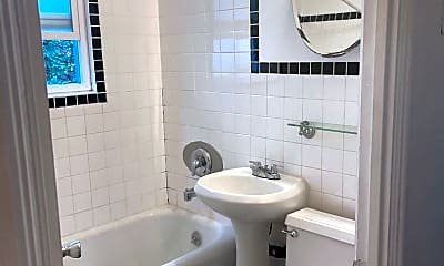 Bathroom, 2116 C St, 2