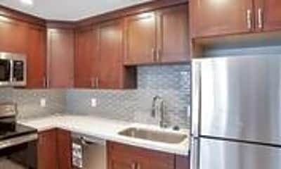 Kitchen, 7014 E Palm Ln, 2