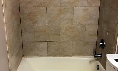Bathroom, 3400 Maple Ave 3, 2