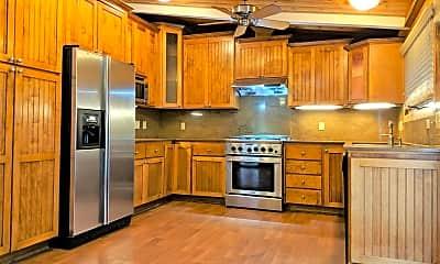 Kitchen, 7680 Forest St, 0