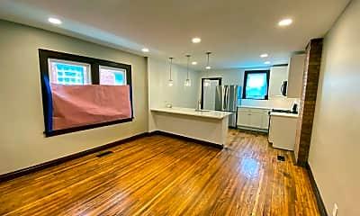 Living Room, 425 E Lane Ave, 1