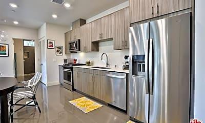 Kitchen, 130 The Riv, 1