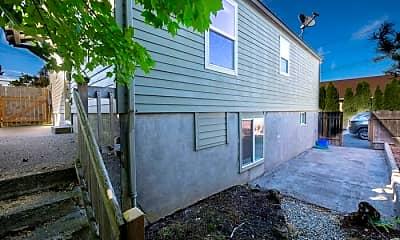 Building, 810 Monroe St, 2