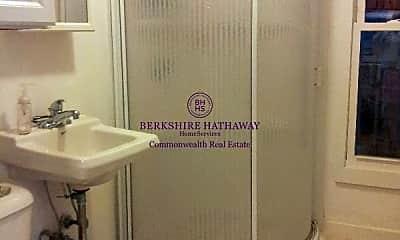 Bathroom, 11-13 William St, 2