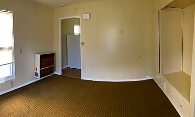 Building, 825 Evergreen St SE, 2