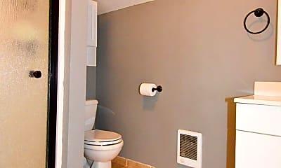 Bathroom, 4511 N 45th St, 2