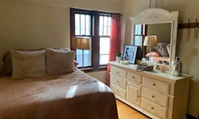 Bedroom, 903 E Kilbourn Ave, 1