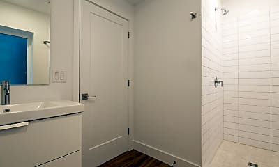 Bathroom, 2736 W Girard Ave, 2