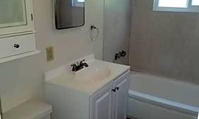 Bathroom, 207 California St, 2
