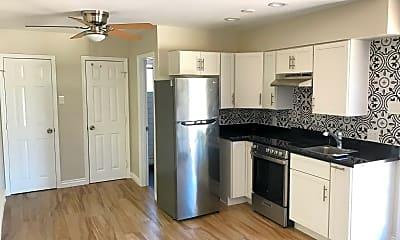 Kitchen, 336 W Culver St 4, 0