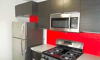 Kitchen, The Hampton on Osborn, 1