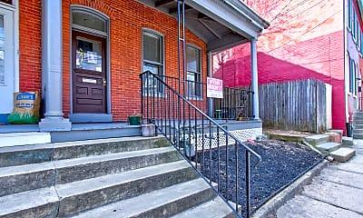 Building, 558 W Orange St, 1