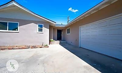 Building, 3817 E Saginaw Way, 1