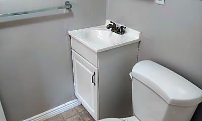 Bathroom, 520 Dexter St W, 1
