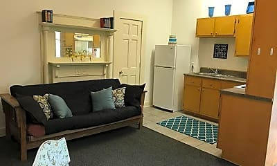 Bedroom, 516 E 5th St, 2