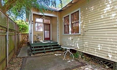 Building, 3236 Chestnut St, 2