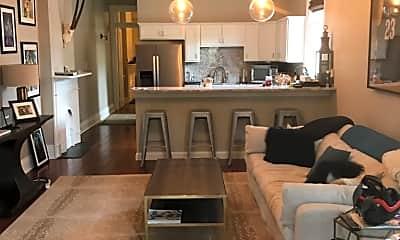 Living Room, 1126 Aline St B, 1