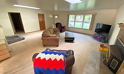 Living Room, 5631 East Dr, 2