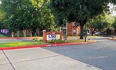 University Court Apartments - LA, 1