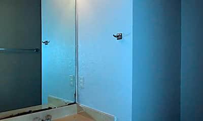 Bathroom, 9601 Bear Paw Trail, 2