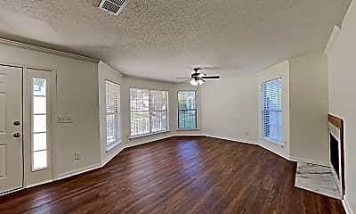 Living Room, 4010 Amber Way, 1