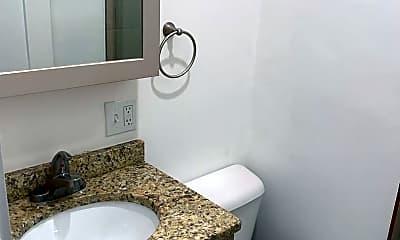 Bathroom, 21 5th St, 2