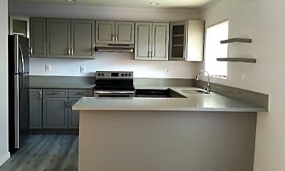 Kitchen, 875 Glenway Dr, 0
