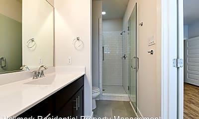 Bathroom, 204 Melrose Pl, 2