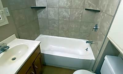 Bathroom, 2420 Hoagland Ave, 2