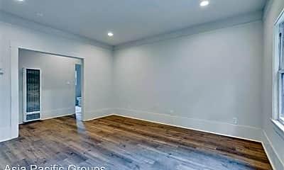 Living Room, 627 41st St, 1