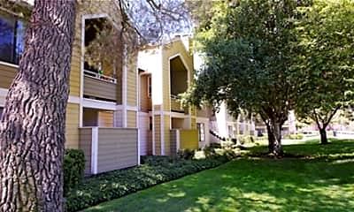 Riverstone Apartments, 0