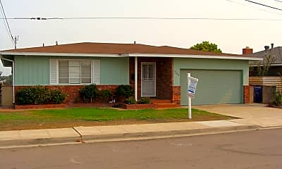 Building, 4205 E Overlook Dr, 1