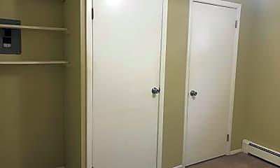 Bedroom, 640 Franklin Ave B3, 2