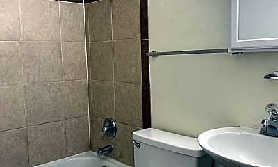 Bathroom, 1001 Emigh St, 2