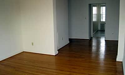 Living Room, 201 E Glendale Ave, 1