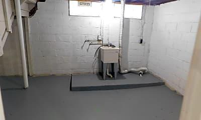 Bathroom, 12408 Woodward Blvd, 2