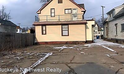 Building, 666 Oswald St, 2