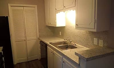 Kitchen, 906 Harris St, 1