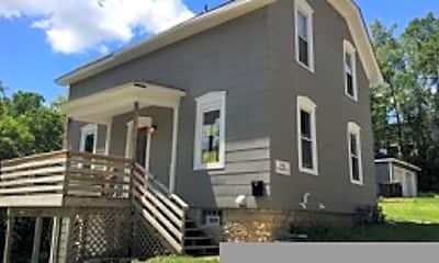 Building, 102 Harriet St S, 2