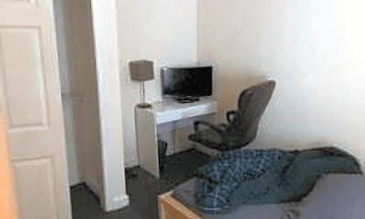 Bedroom, 122 Berkshire St, 1