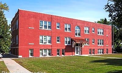 Building, 905 5th St N, 1